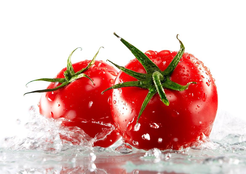 Foodfotograf_Tomaten mit Wasser-min